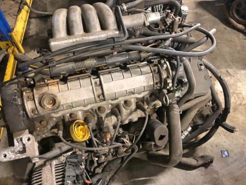 Двигатель Renault F3R Megane
