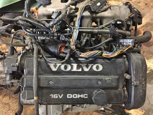 Двигатель Volvo B234F 740,940,960